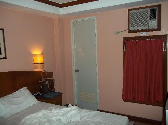 Fersal Hotel - Manila: Delux Room 2