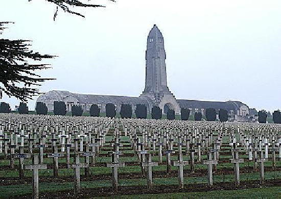 Verdun, France: Das Gebeinehaus, ein Ort zum Gedenken an Millionen von Opfern