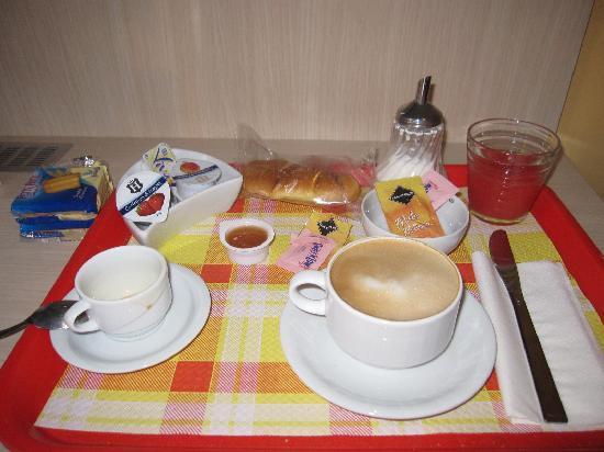 21 Aprile House: 早餐