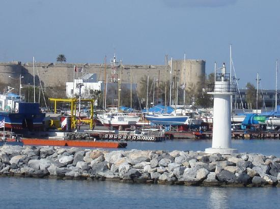 Cypern: Anlandung in Girne im Norden der Insel