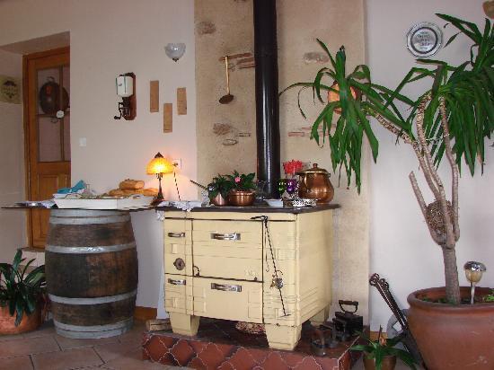 Restaurant de l'Auberge de la Source Peyssou: un décor