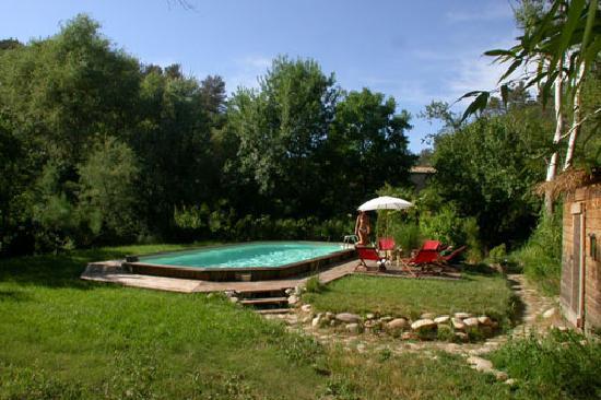 Rognes, Frankrike: Le coin baignade