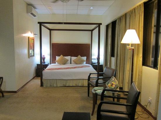 GoodHope Hotel Skudai-Johor Bahru: LArge King Bed