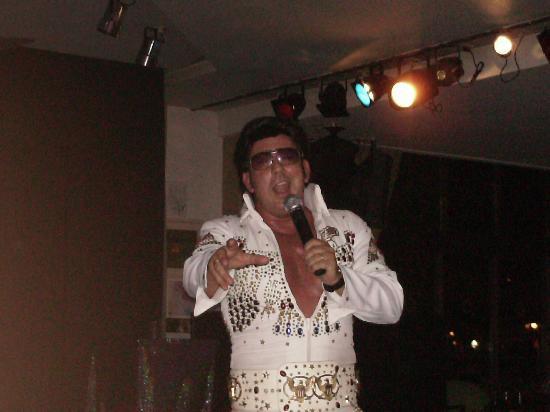 Globales Santa Lucia Hotel: Elvis entertains us.