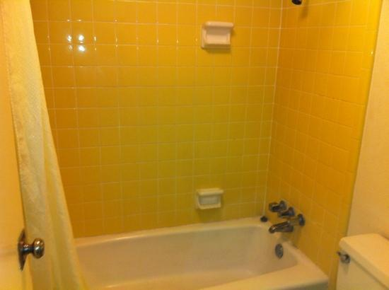 Palms Garden Inn : clean- bathroom