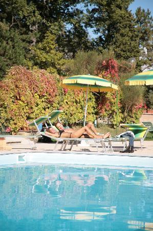 Castello Cortevecchio: piscina