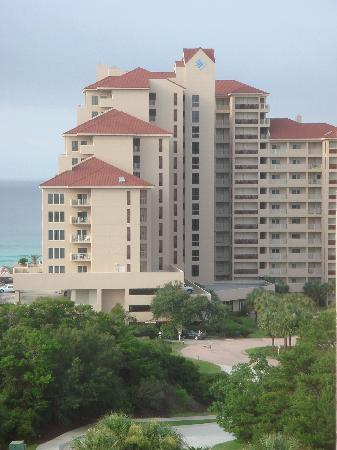 TOPS'L Beach & Racquet Resort - Tides: the condos