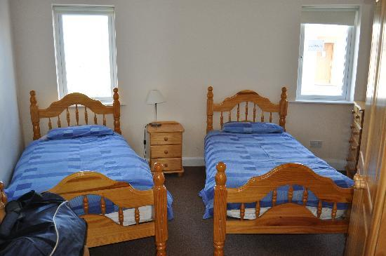 Downings Coastguard Cottages: bedroom - type D