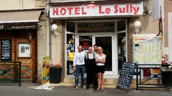 Hotel Restaurant Le Sully : owners