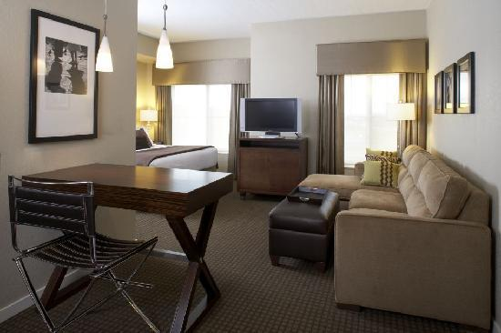 HYATT house Sterling/Dulles Airport-North: Studio Suite