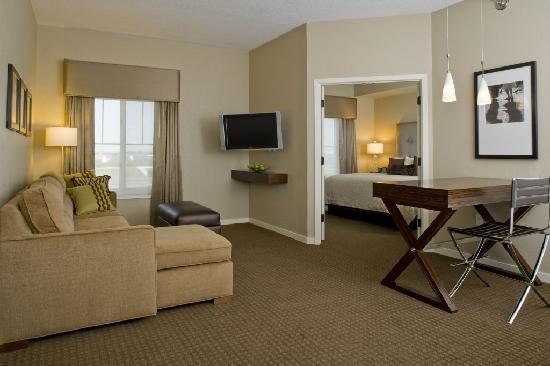 هياة هاوس ستيرلينج/دوليز إيربورت نورث: One Bedroom Suite