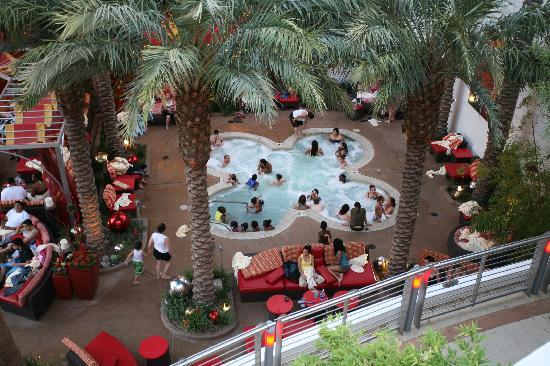 Golden Nugget Hotel: Jacuzzi area