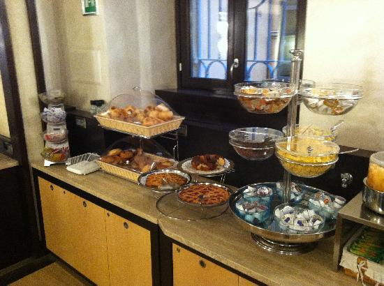 โรงแรมเยส: Breakfast area