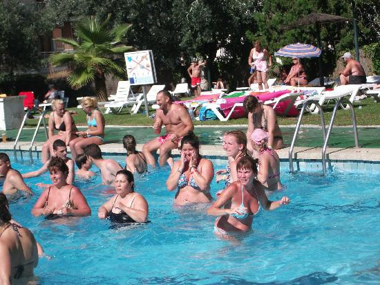Hotel Samba: aqua aerobics