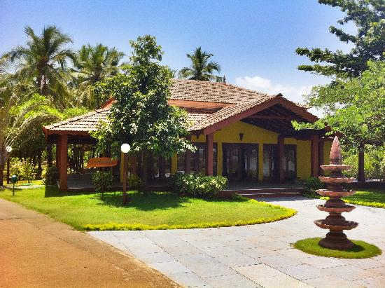 Yoga Meditation Center Picture Of Mercure Goa Devaaya Retreat Divar Island Tripadvisor