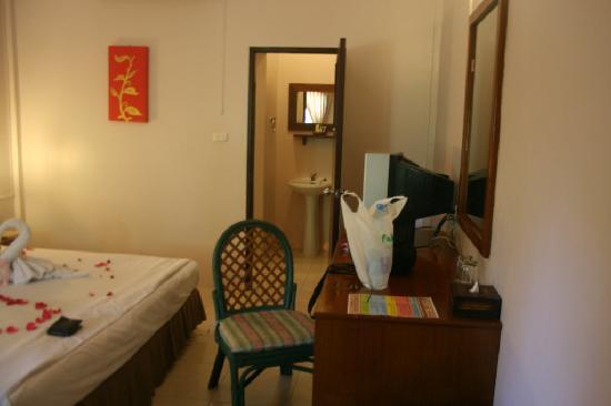 Deevana Patong Resort & Spa : Main Room Entrance
