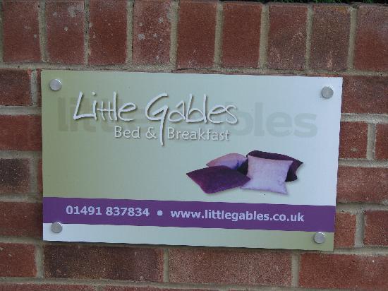 "Little Gables Bed and Breakfast: Eingangsschild ""Little Gables"""