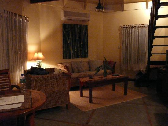 Tamarindo Village Hotel : First floor of your villa, cable TV!