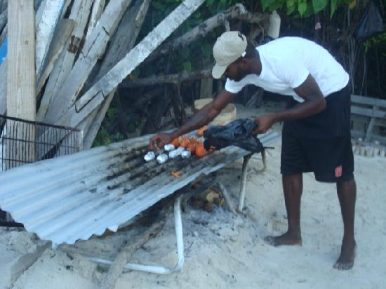 Leon Bar: FOOD IS COOKING, I MADE A GRILL JUST LIKE THIS IN USA