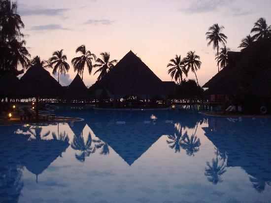 Neptune Pwani Beach Resort & Spa: Keine Pyramiden...