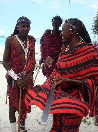Pwani Mchangani, Tanzania: Massai-Jungs
