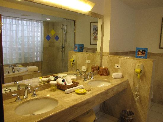CuisinArt Golf Resort & Spa: bathroom