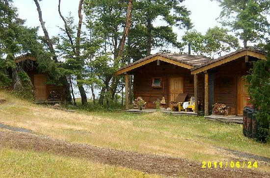Yellow Point Lodge : Cliff Cabins - Secluded but a long walk to food