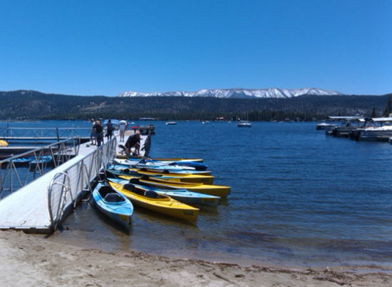 Big Bear City, Калифорния: Big Bear Fun launches from Captain John's Fawn Harbor Marina