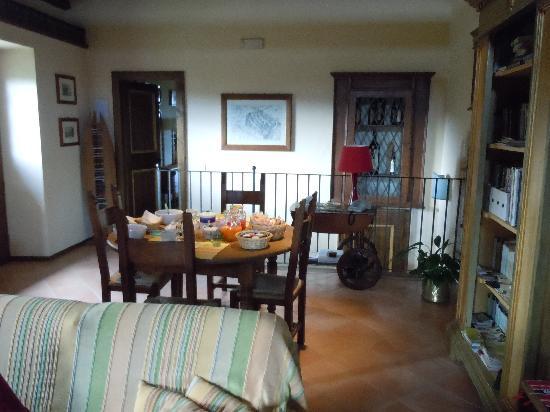 Agriturismo Monte Valentino: Breakfast Area