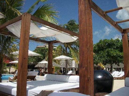 Sandals Ochi Beach Resort : At the beach club on riviera side