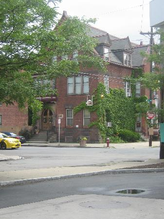 The Olde Judge Mansion from across the street.