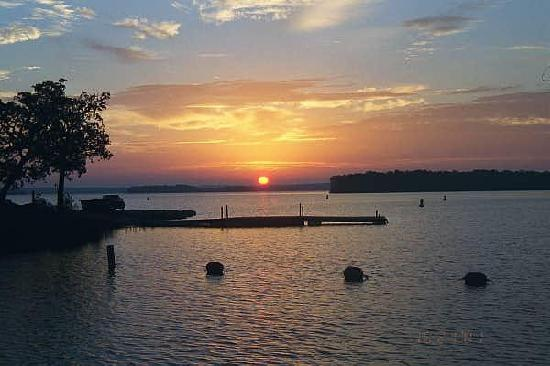 Lake Murray State Park & Lodge: Lake Murray sunset