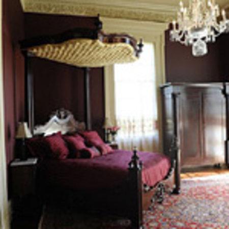 Bocage Plantation: Bocage Red Room