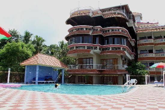 Hill & Sea View Beach Resort: Pool View
