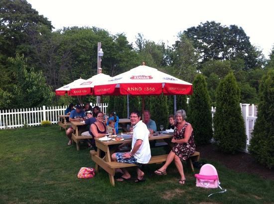 Seacoast Pizza and Pasta: back patio