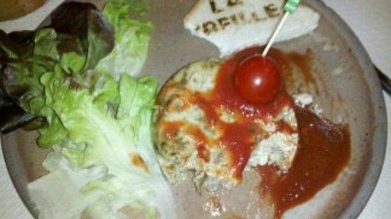 La Treille : gateau tiède aux cèpes avec son coulis de tomates
