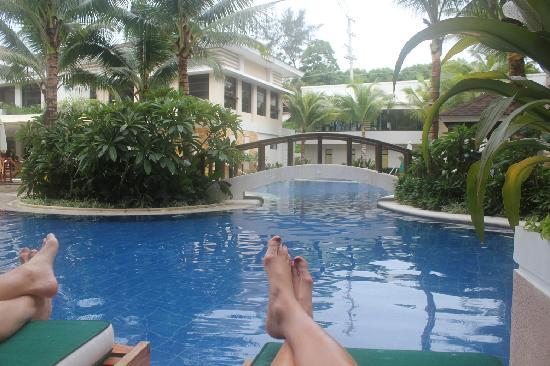Henann Lagoon Resort: Lounging on the patio of room #123