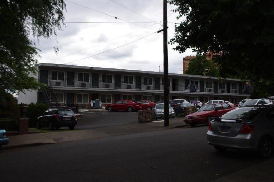 Park Lane Suites & Inn: The Inn
