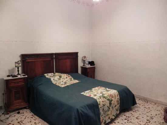 فيلا فيوريتا: Our Room