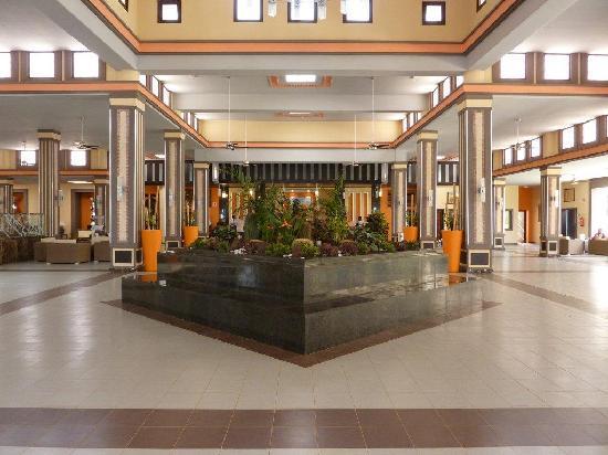 Beautiful Foyer Foto Van Hotel Riu Touareg Santa Monica