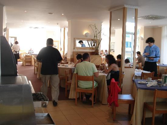Dorisol Estrelicia: Breakfast space
