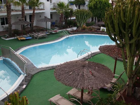 Apartments Parque Tropical : Larger pool beside the baby pool