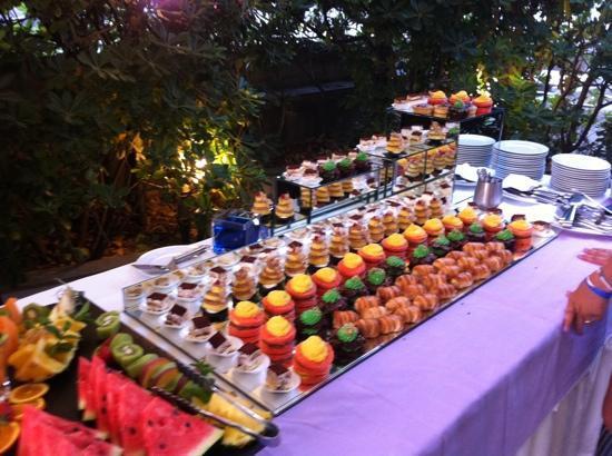 Buffet Di Dolci Per Bambini : Buffet dolci foto di hotel michelangelo riccione tripadvisor