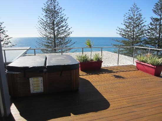 C Bargara Resort: roof top jacuzi