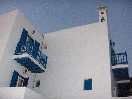 Stelios View Mykonos Town: The balconies from the upper rooms