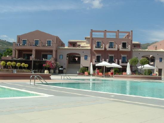 Utopia Resort & Spa: Hotel view