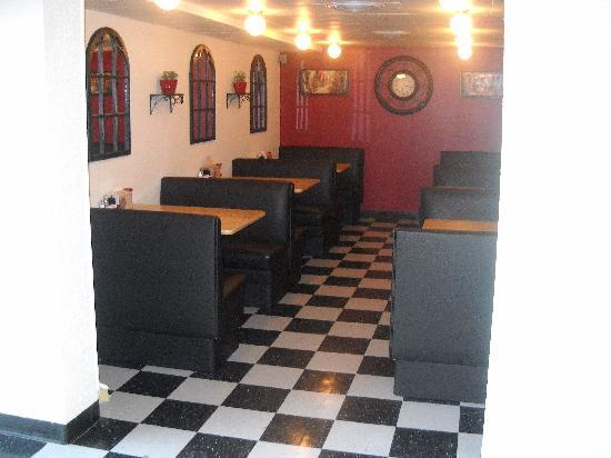 Penny Ann's Cafe: Dining area