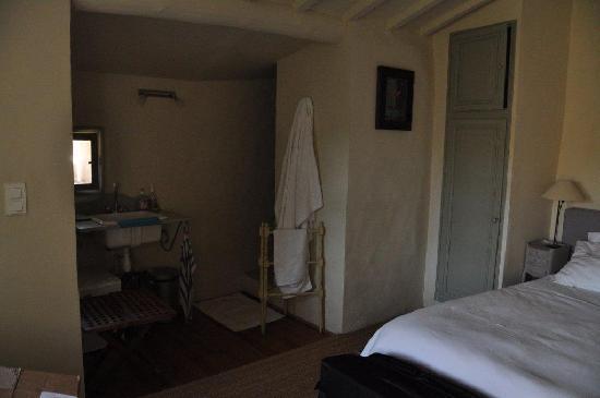 Lourmarin, France: Balcony room.