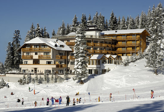 Obereggen, อิตาลี: Hotel Cristal im Winter