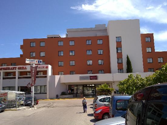 Mercure Hyeres Centre Hotel : Front of hotel